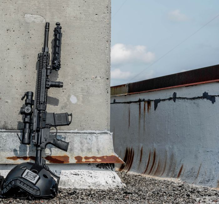 A Daniel Defense MK12 pulling roof top security.