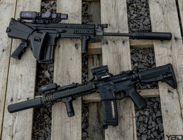 A SCAR 17S and MK18 both keeping quiet with OSS Suppressors.