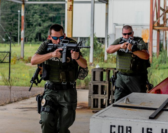 Students beginning our Advanced SWAT Course with some basic tactical maneuvers.