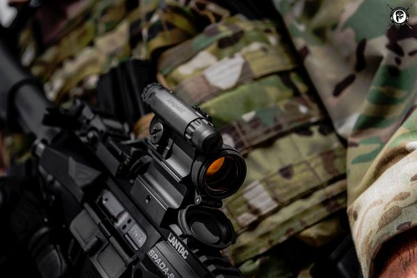 A close-up of the Aimpoint Comp M5